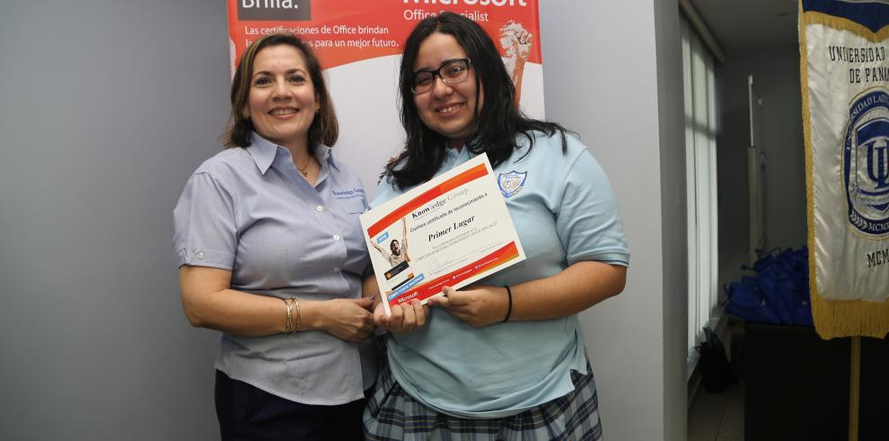 Episcopal San Cristóbalgana concurso nacional de Microsoft