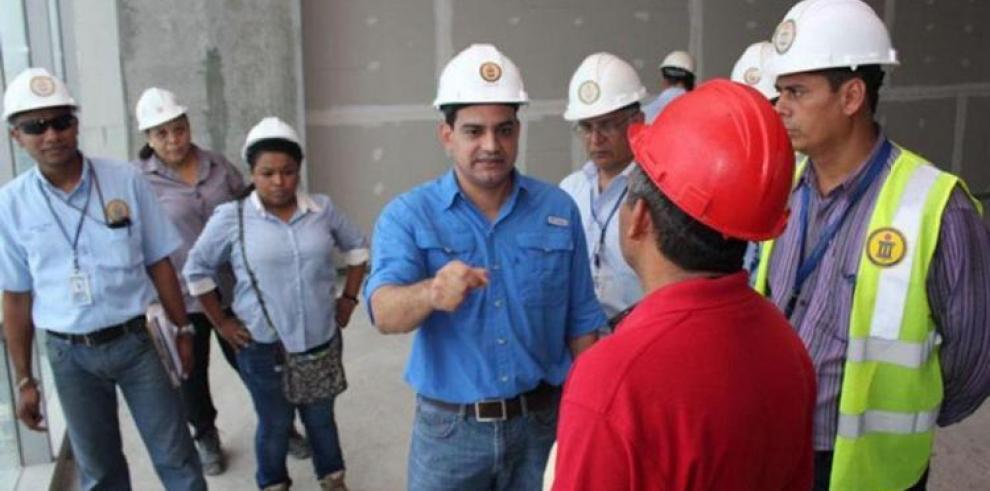 Mitradel detecta a 52 extranjeros trabajando sin permiso laboral