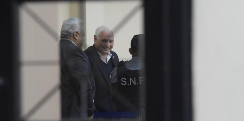 Fiscal denuncia amenazas de la defensa de Martinelli