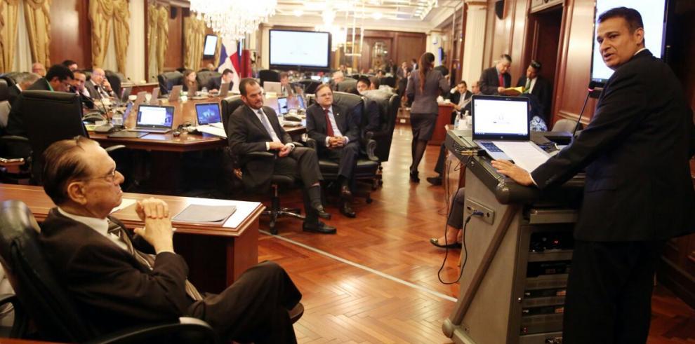 Gabinete discute anteproyectos de Código Procesal Constitucional y Código Procesal Contencioso Administrativa