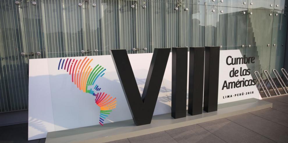 Varela y Saint Malo asisten a la VIII Cumbre de las Américas en Perú