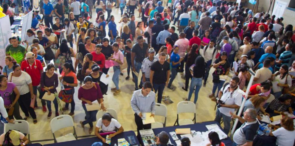 Empresas ofrecen 7 mil vacantes en feria