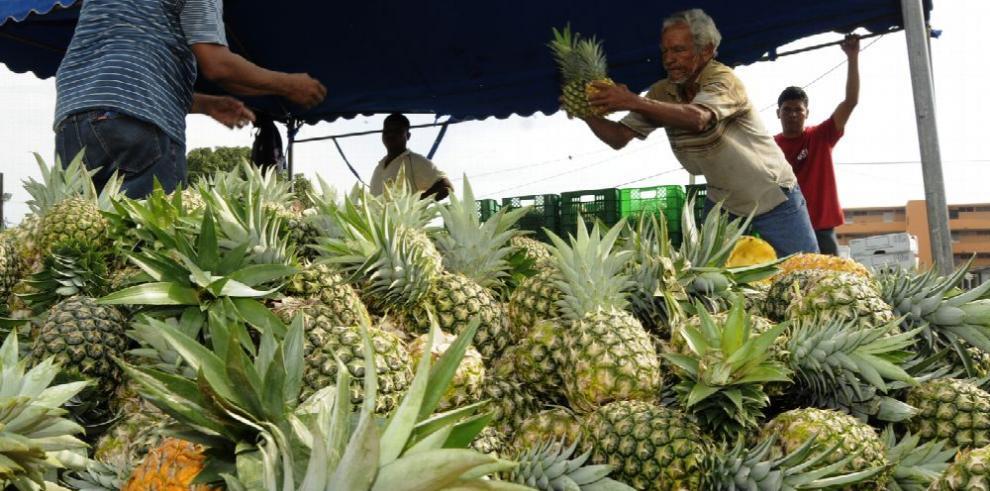 Mercado chino se abre a la piña, carne y cobia panameña