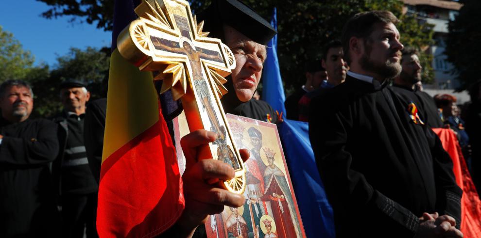 El fracaso del referendo presiona a los grandes partidos y la Iglesia rumana