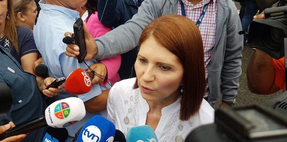 Exprimera dama pide que Martinelli sea revisado por un médico