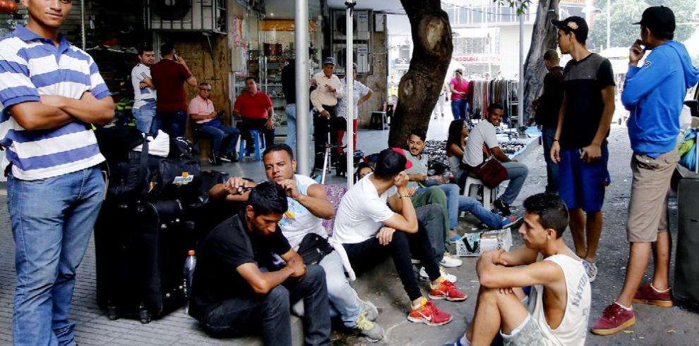 Colombia prepara medidas para los venezolanos