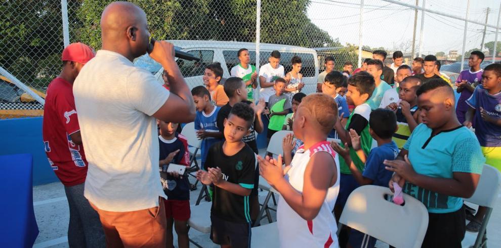 Alcaldía de San Miguelito entregó cancha deportiva en Pan de Azúcar