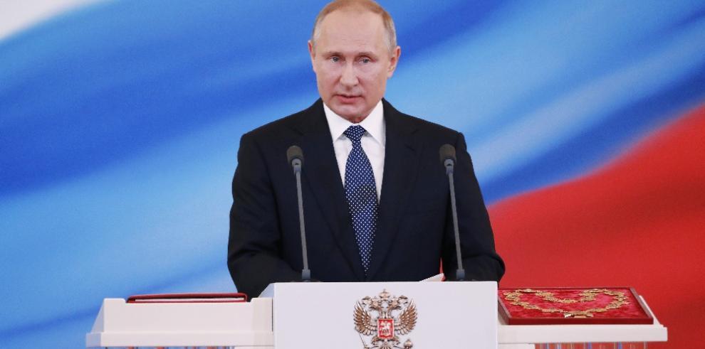 Senador McCain considera a Putin un