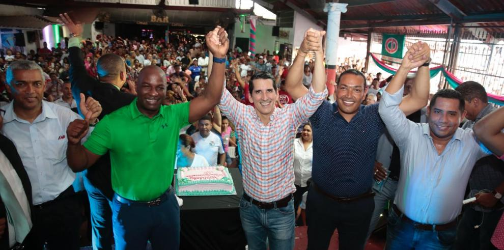 Líderes de CD en San Miguelito celebran 20 años del colectivo