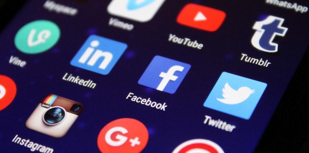 Vicepresidente Twitter: trabajamos duro contra las 'fake news'