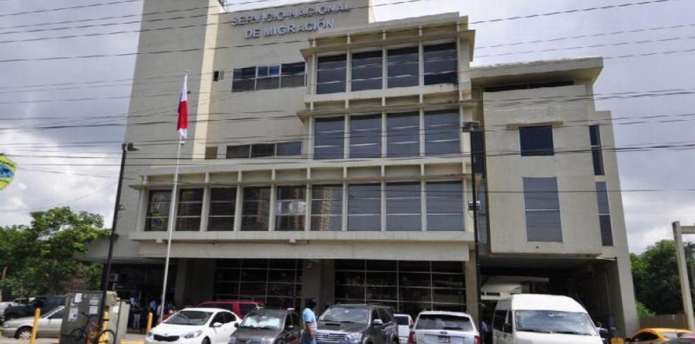 SNM abre investigación por 'cobros de coimas' a extranjeros
