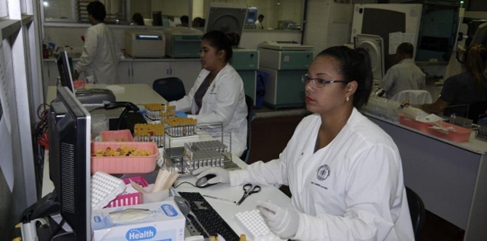 Complejo realiza 4.9 millones de pruebas clínicas