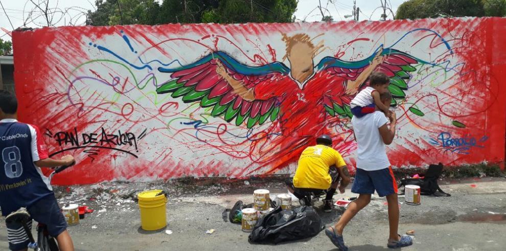 """En San Miguelito impulsan arte para """"cambiar imagen"""" de barrios"""