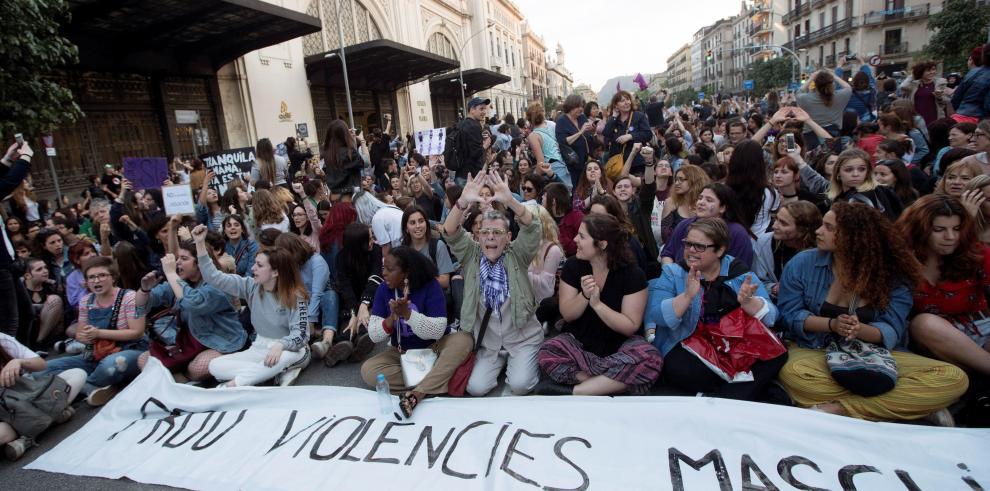 Tercer día de protestas en España contra polémica sentencia por abuso sexual