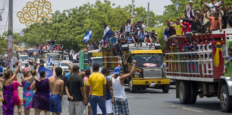 Comienza peregrinación por amor a Nicaragua con miles de personas en la calle