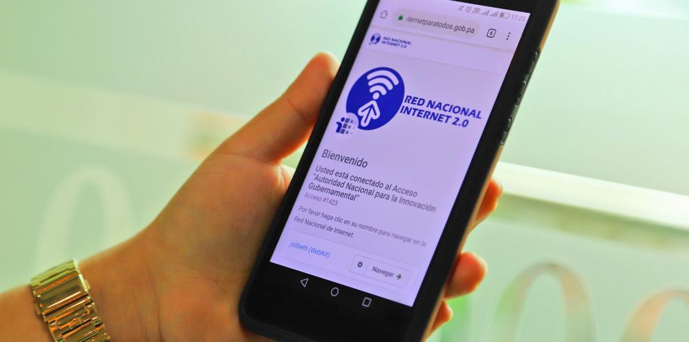 Internet gratuito del gobierno da conectividad a 84% de la población