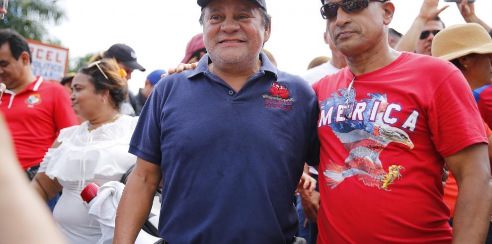 'Manos de Piedra' Durán y Blas Pérez apoyan protesta de deportistas en Panamá