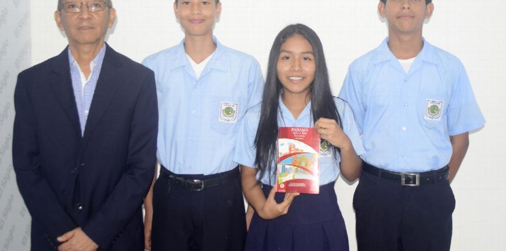 Jóvenes de La Chorrera dedican poesías a la patria