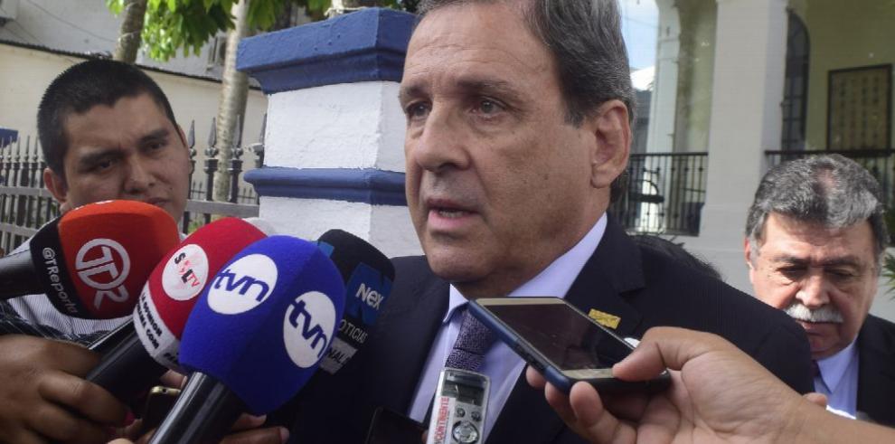 Otros funcionarios abandonan el gobierno de Varela