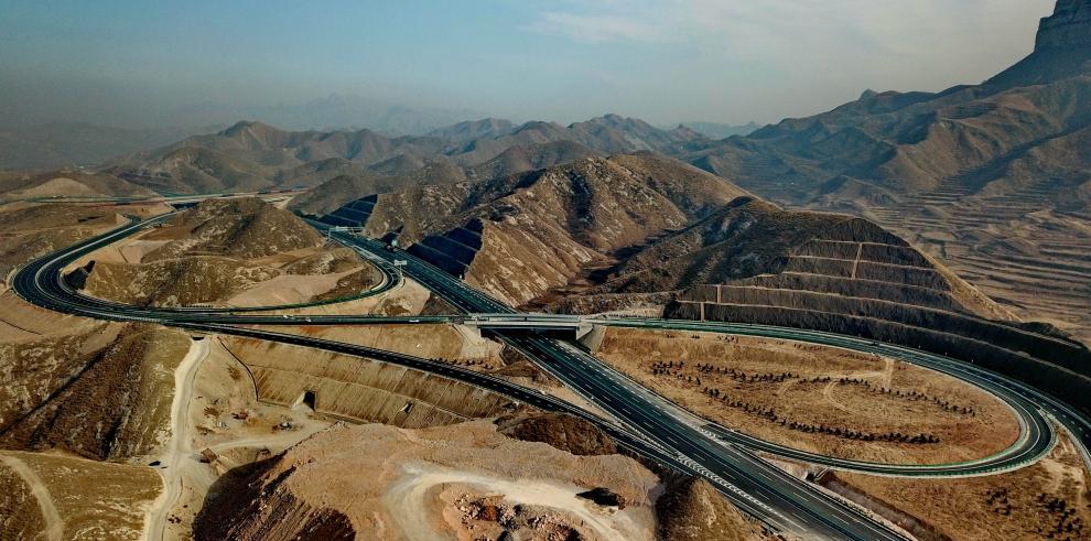 Abren al tráfico autopista montañosa de Hebei a Beijing