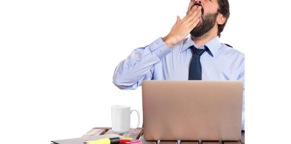 ¿Cómo espantar el sueño en la oficina?