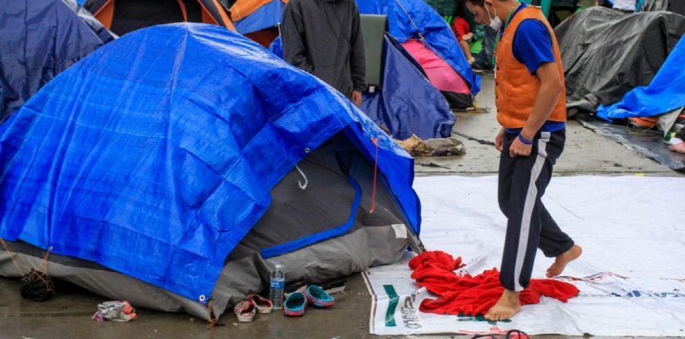 Honduras entrega ayuda en Tijuana