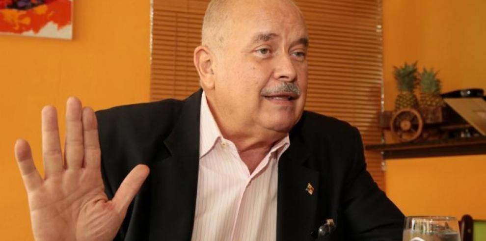 Bernalpide mediación internacional para proteger democracia en Panamá