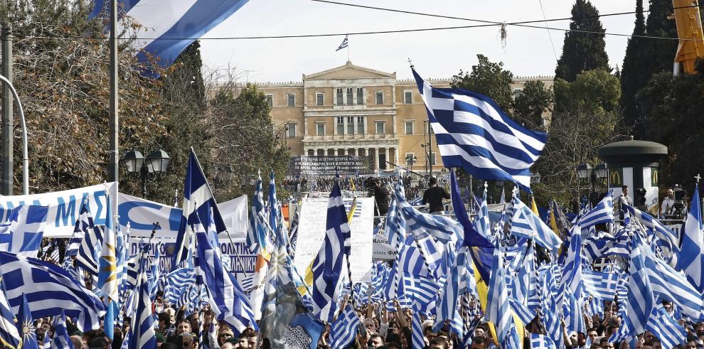 Multitud nacionalista protesta en Atenas contra uso de término Macedonia