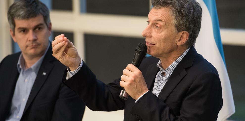 Macri felicita la Navidad 'después de un año tan difícil' en Argentina
