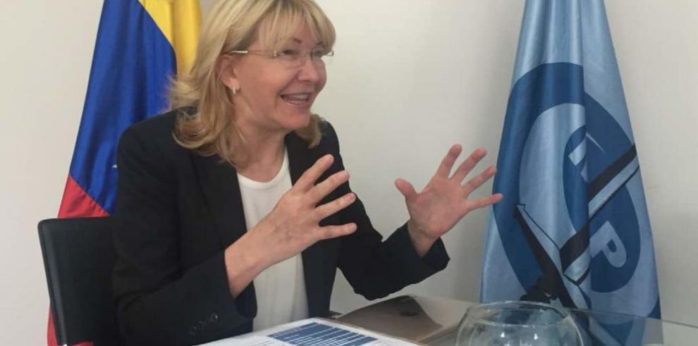 Fiscal en el exilio denuncia genocidio en Venezuela