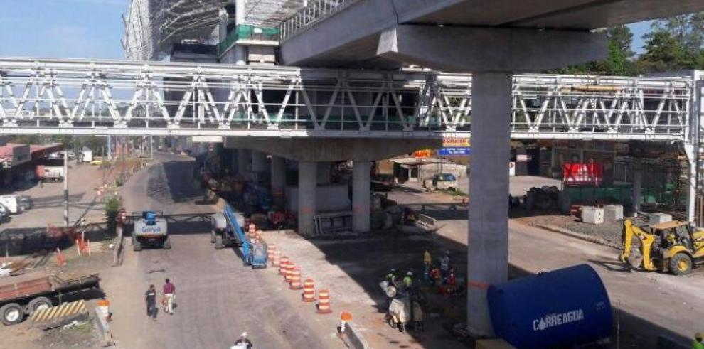 La Av. Domingo Díaz será cerrada este martes 24 por montaje de vigas U del Metro