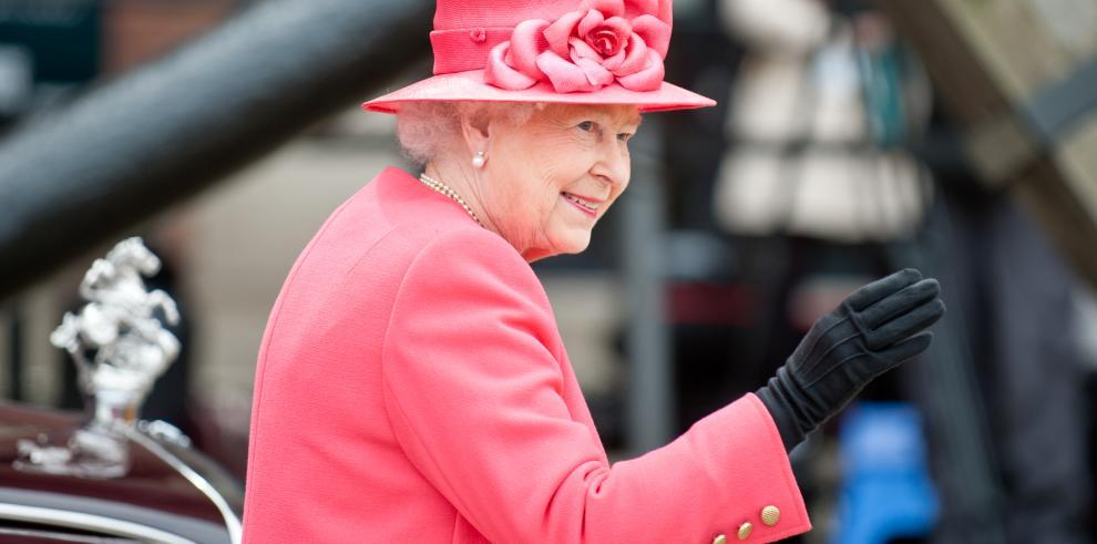 La reina Isabel II y el duque de Edimburgo cumplen 71 años de casados