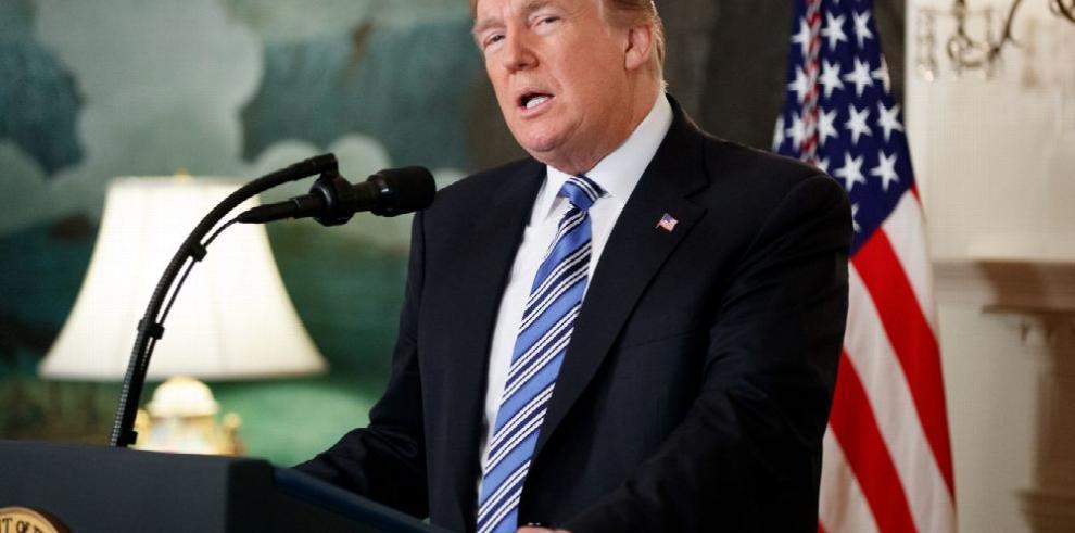 Trump niega 'colusión' tras imputación de rusos por la Fiscalía