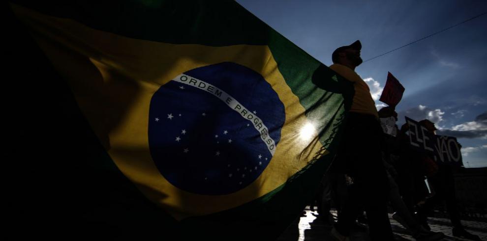 Crece polarización en vísperas de comicios brasileños