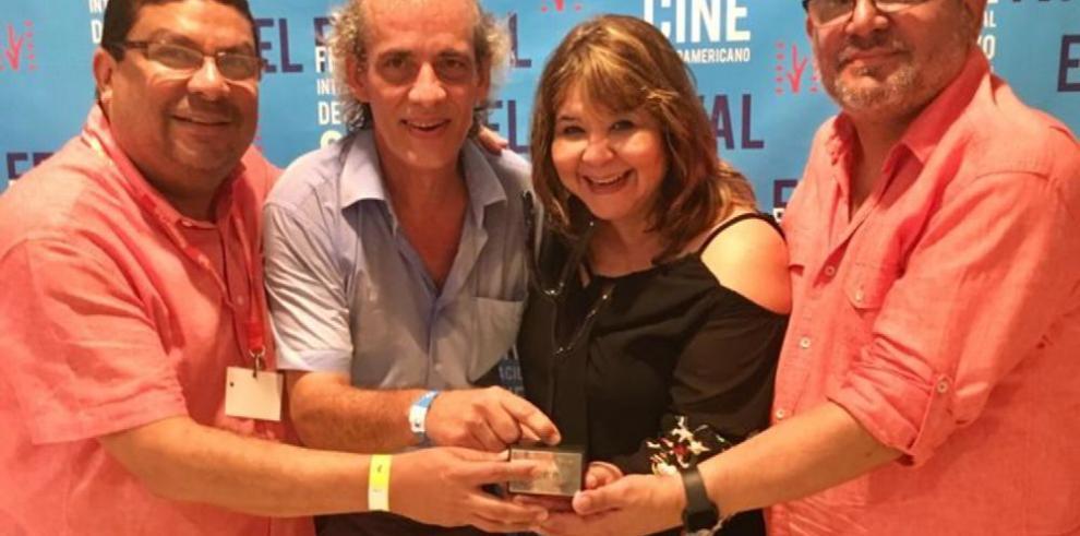 Guion de ficción de Panamá Al Brown es premiado en La Habana