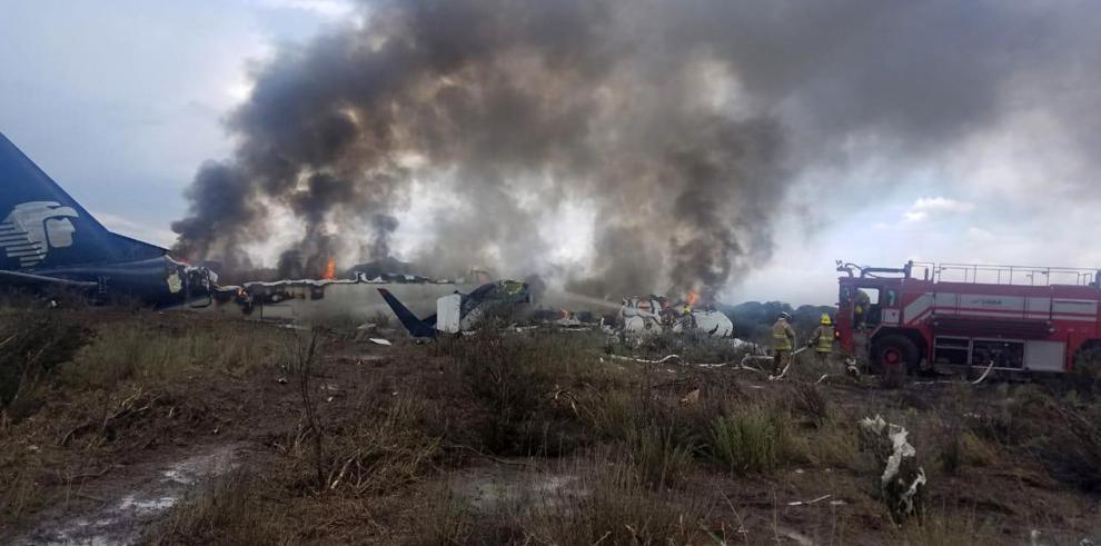 Un centenar de pasajeros y tripulantes sobrevive a accidente aéreo en México