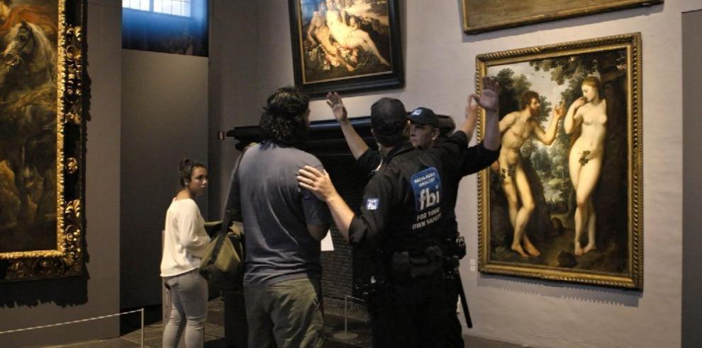Debatirán censura a obras de pintores