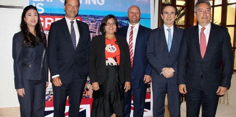 Panamá explora acuerdo 'pos-brexit' con el Reino Unido