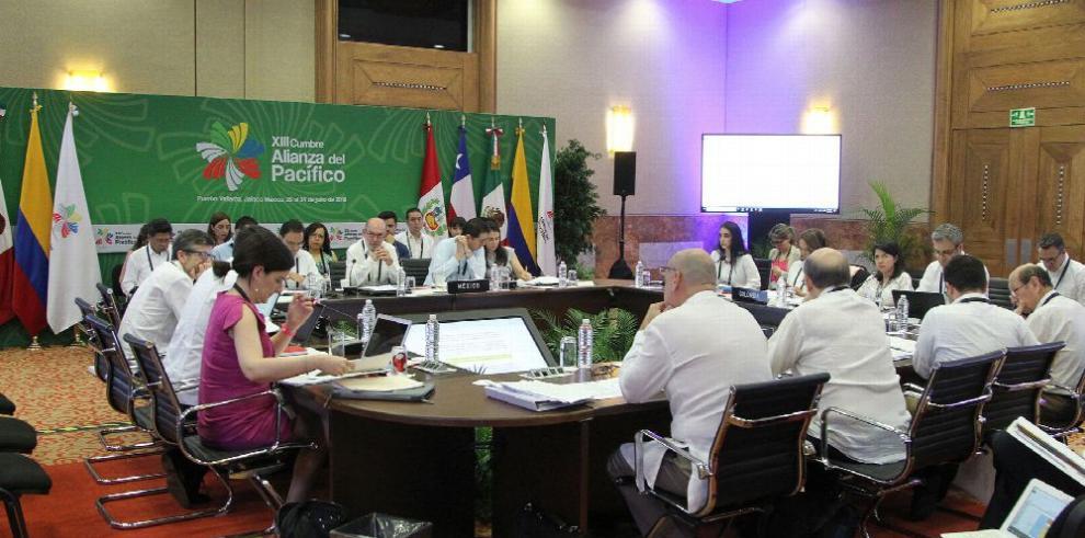 Alianza del Pacífico y Mercosur exploran acuerdo comercial