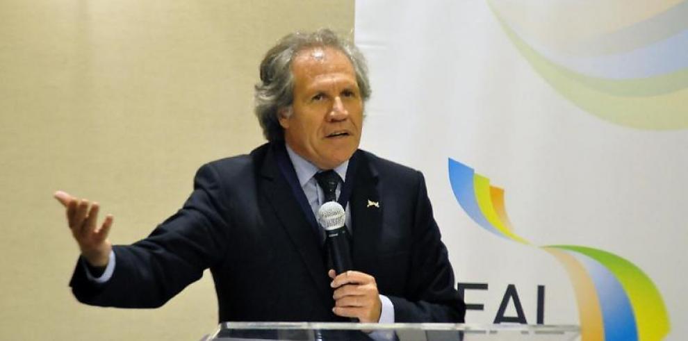 Almagro cree que hablar de diálogo en Venezuela es