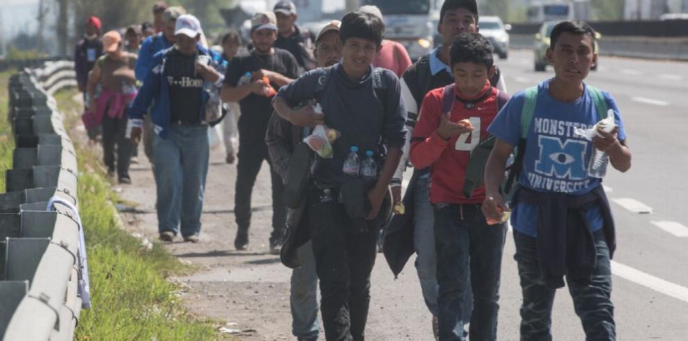 Desaparecen buses con 80 migrantes en el sur de México