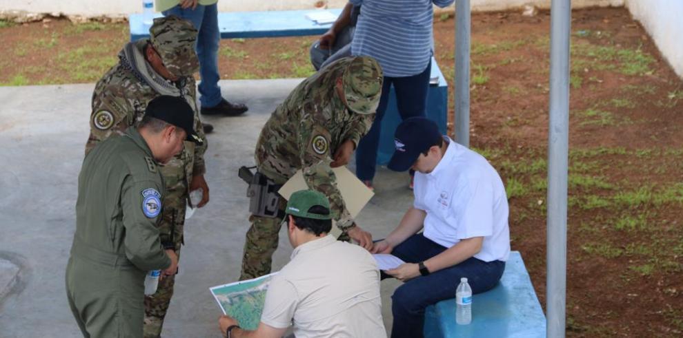 Comisión del Ejecutivo recorre instalaciones del Centro de Detención en Punta Coco