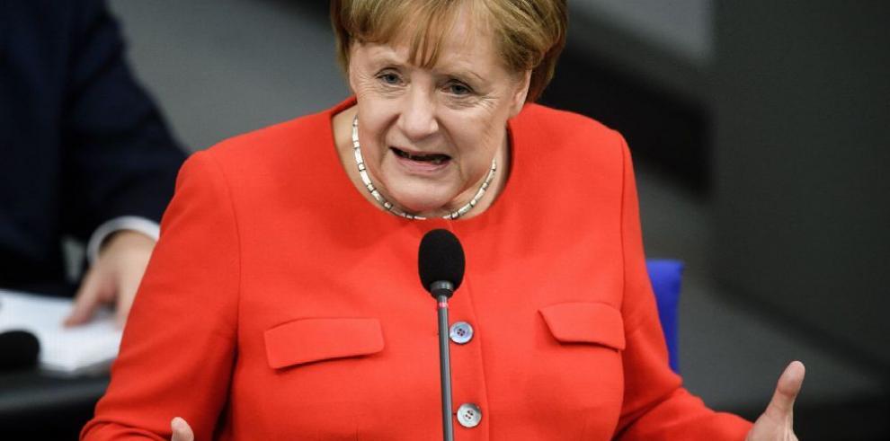 Merkel pide 'posición común' ante EE.UU.
