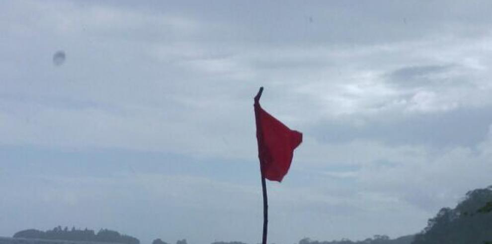 Sinaproc prohíbe el ingreso a playas y ríos de Colón por oleaje y lluvias