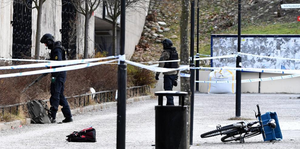 Dos heridos al explotar un objeto junto a una estación de metro en Estocolmo