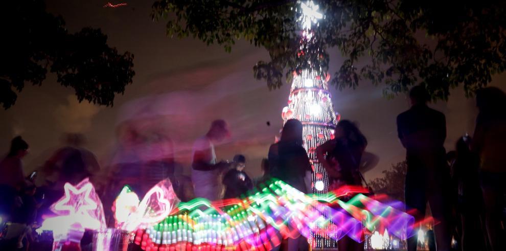 Un espectáculo de luces ilumina el pulmón verde de Sao Paulo