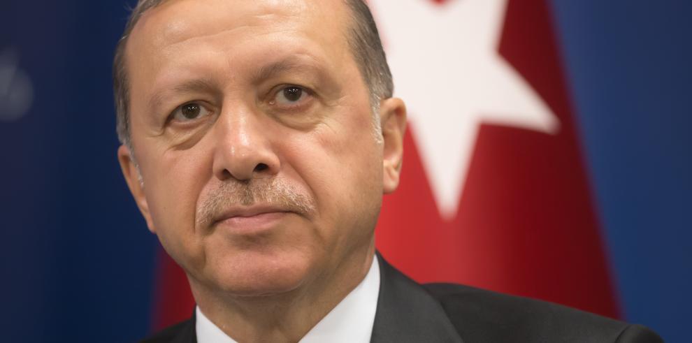 Erdogan dice que planifica una intervención en Siria que no perjudique a EEUU