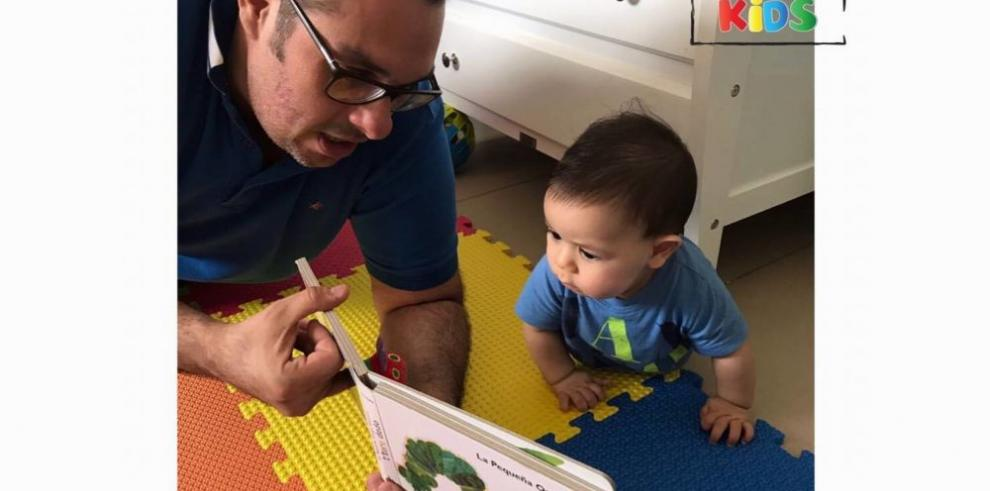 Niños y jóvenes que desarrollan su nivel de lectura