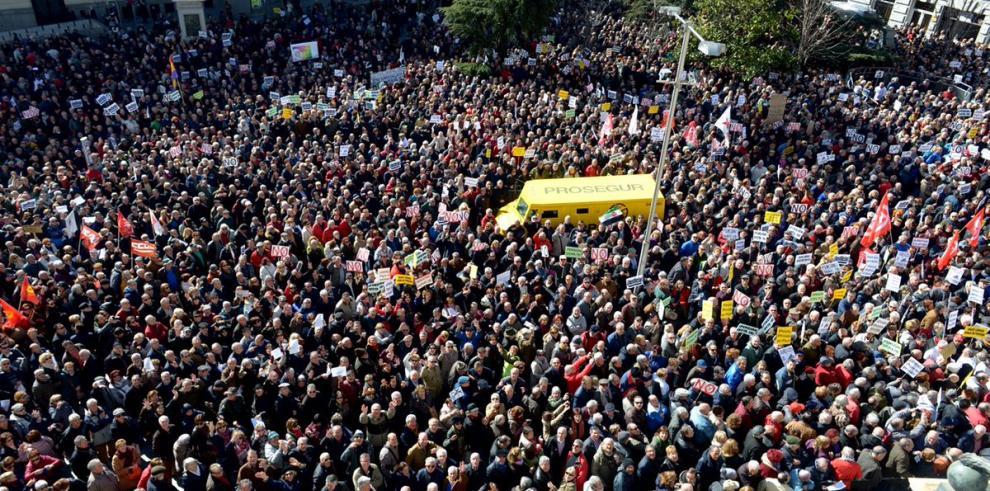 Jubilados de España inundan las calles exigiendo 'pensiones dignas'