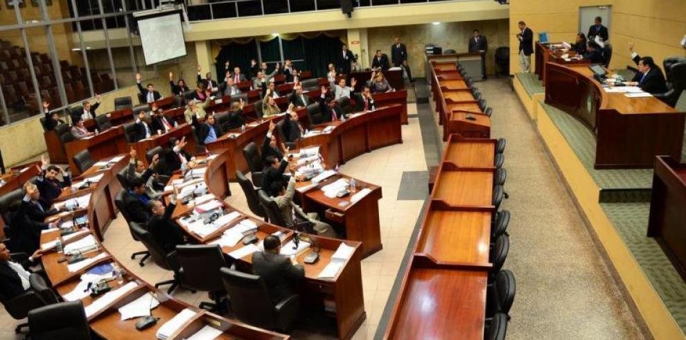 Asamblea aprobó la 'desmantelación' de la Comisión de Credenciales